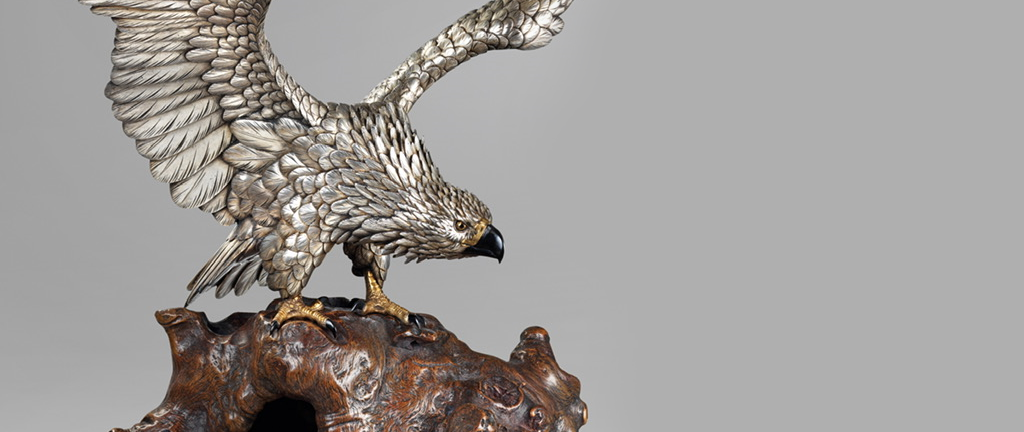 """Japanese silvered eagle signed Masatsune chu 政常鋳, Meiji Period. (27370)"""