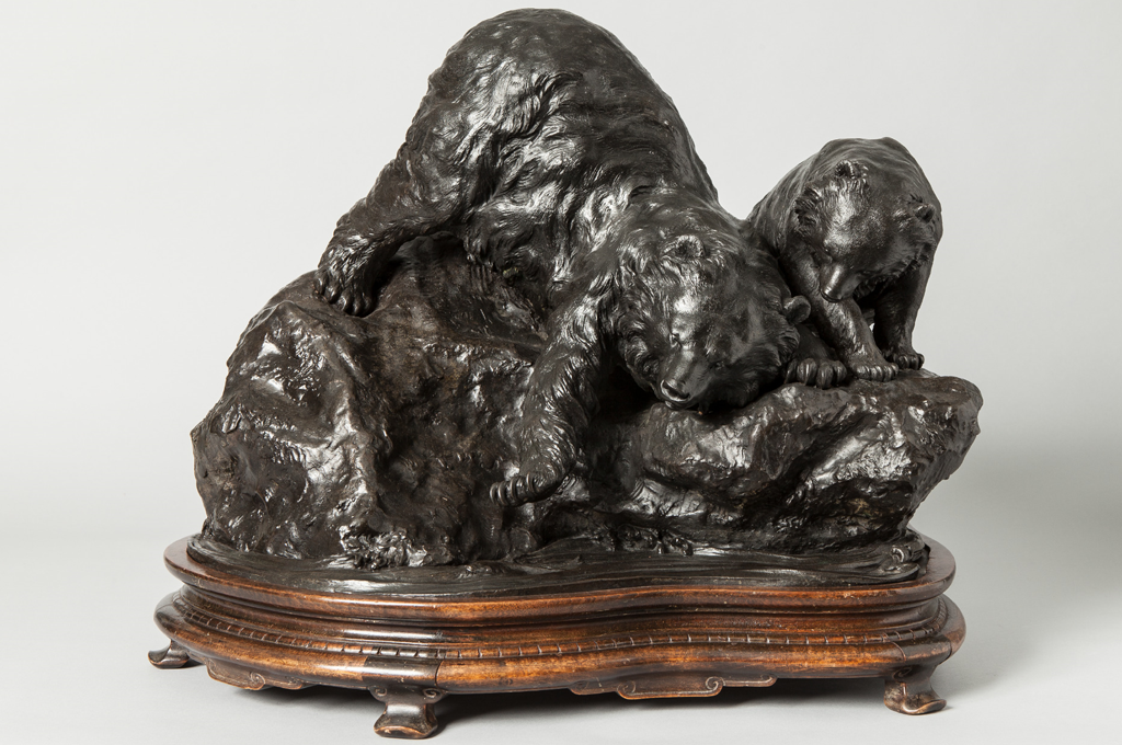 Large Japanese bronze bear and cub (38916)