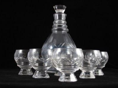 Art deco glass decanter and 6 glasses