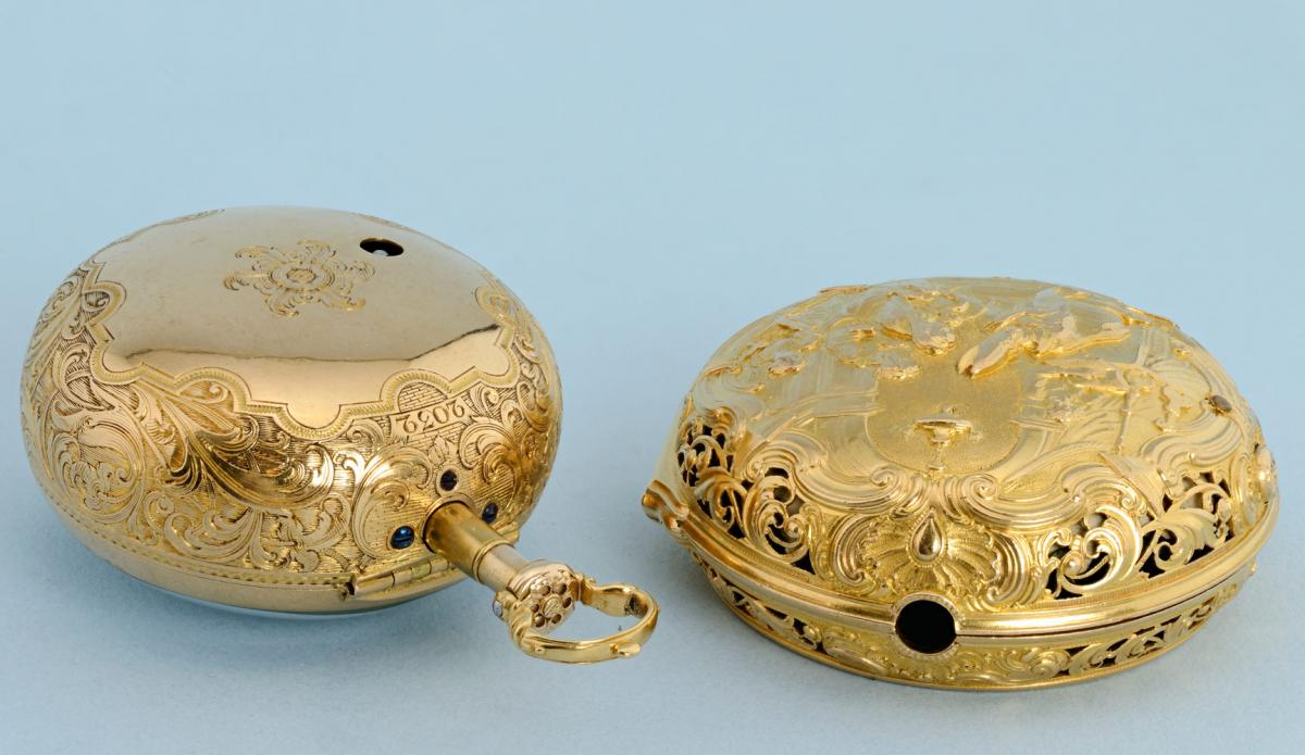 Gold Repousse Pair Case by Manly