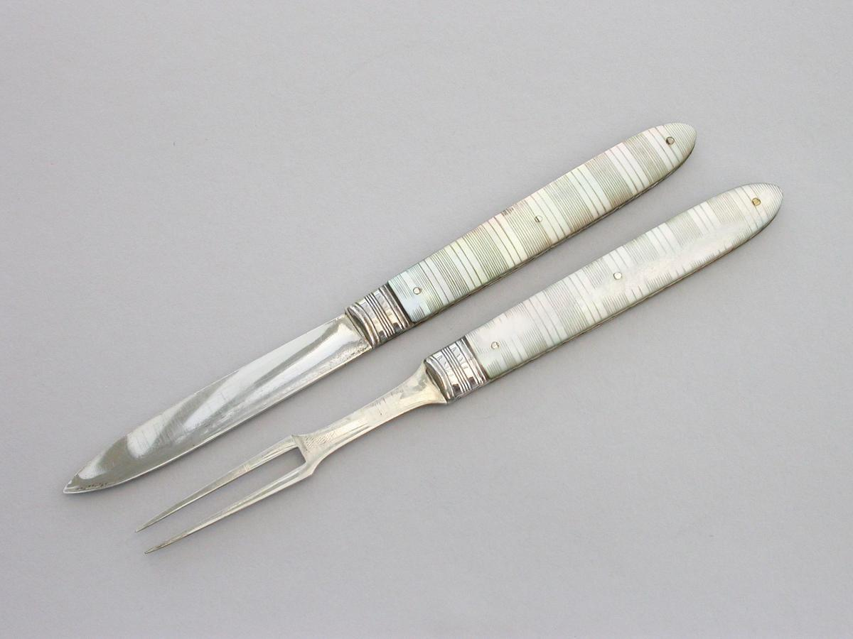 George III Cased Silver & Mother of Pearl Folding Fruit Knife & Fork