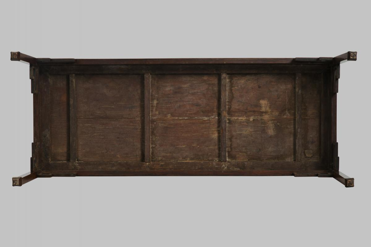 A huanghuali corner leg painting table, late Ming – early Qing dynasty, 17th century - under