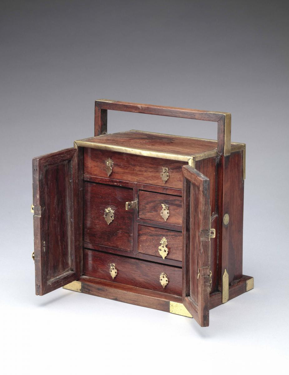 Huanghuali table cabinet, Qing dynasty 18th century - inside view
