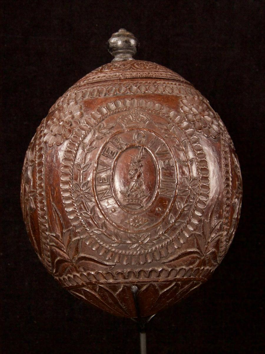 Carved and decorated coconut_b