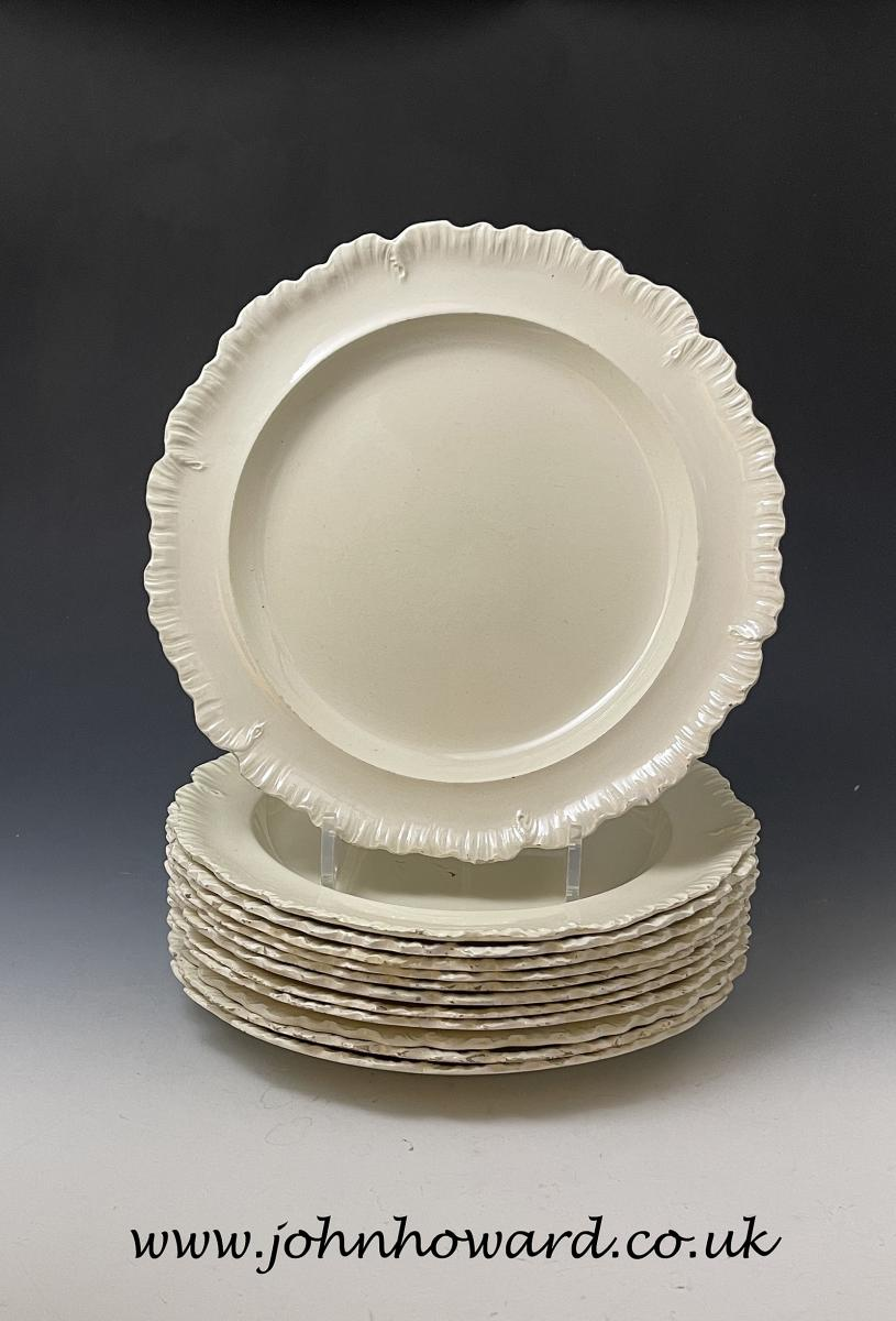 Wedgwood creamware pottery shell edged 10 inches plates set of 12