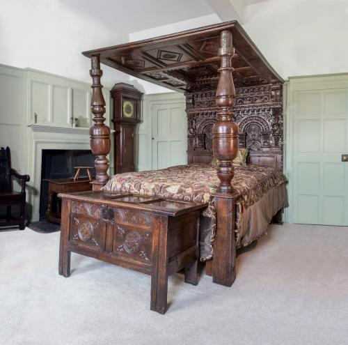 An Important Elizabethan Oak Bed