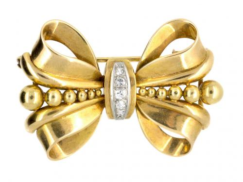 Bow Brooch with Diamond Set Centre in 18 Karat Gold, French circa 1950