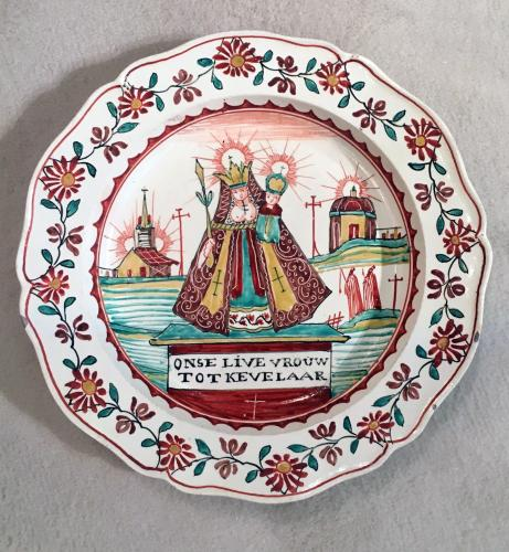 Dutch-decorated English Creamware Plate,  Onse Live Vrouw Tot Kevelaar (Our Lady to Kevelaar), Circa 1765-85.