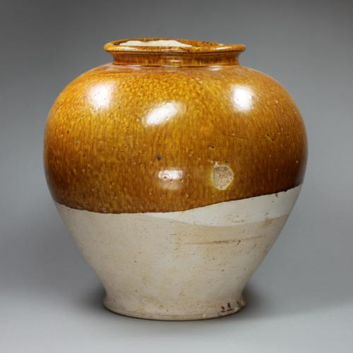Chinese pottery jar, Tang dynasty (618-906)