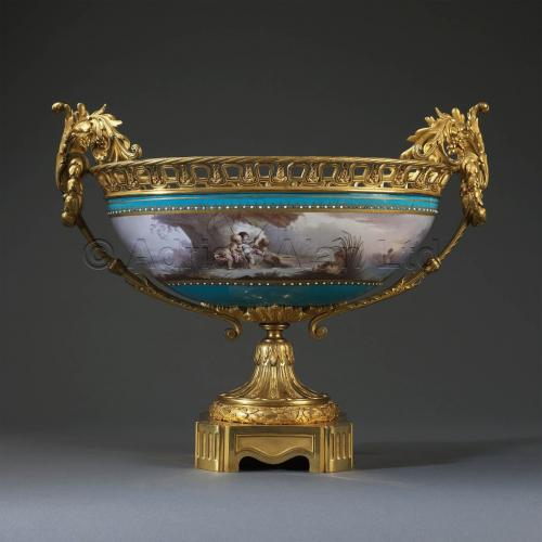 Sevres-Style Coupe ©AdrianAlanLtd