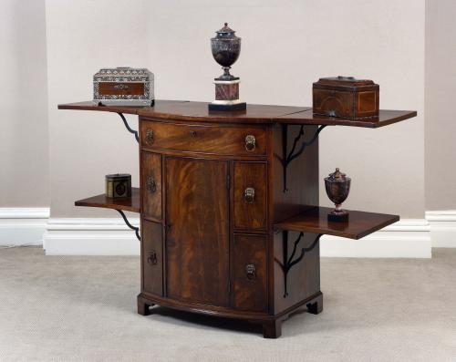 GEORGIAN MAHOGANY BOW FRONTED SIDEBOARD / BUFFET OF UNUSUAL DESIGN