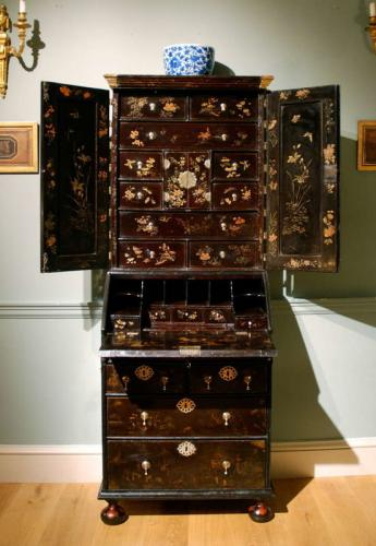 A small early 18th Century lacquer bureau bookcase.  ​Circa 1730