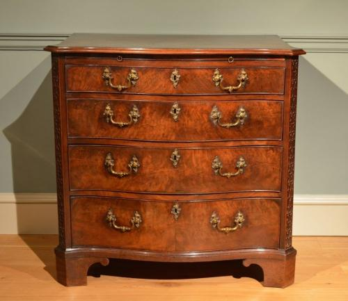 A fine small George III mahogany serpentine chest ​Circa 1760