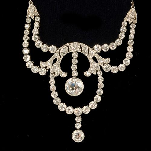 Platinum set Edwardian fine quality necklace Circa 1910