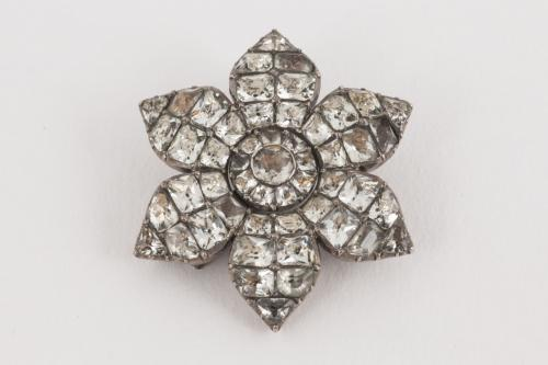 A Rare Georgian White Paste Flower Brooch in Silver, English circa 1770
