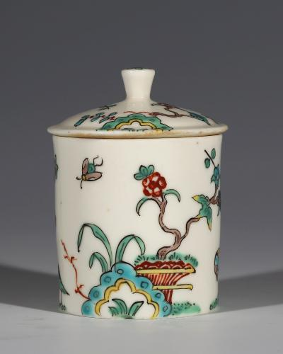 A Saint-Cloud Kakiemon Pot a Fard