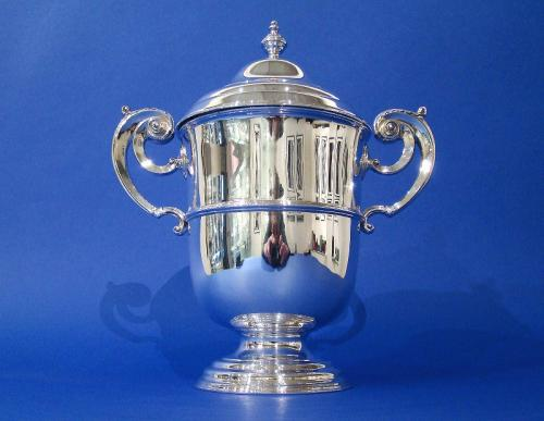 Large Edwardian Silver Lidded Cup