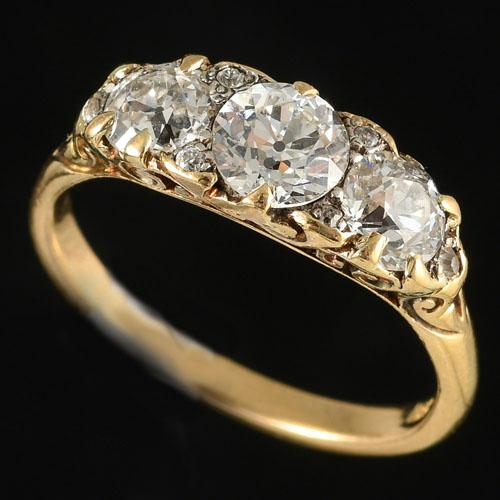 Victorian carved 18ct gold ring
