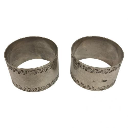 Pair of silver napkin rings made in Birmingham in 1919