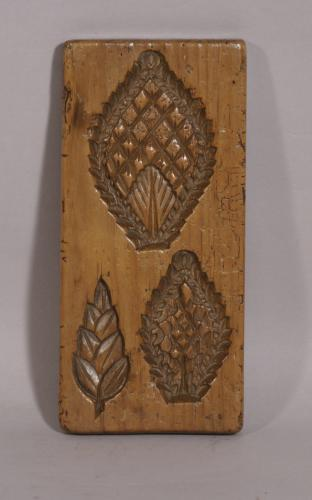 S/3862 Antique Treen 19th Century Fruitwood Sugar or Biscuit Mould