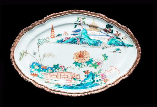 Chinese export porcelain famille rose meat dish