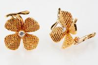 Vintage Clip Earrings Four Leaf Clovers in Textured 18 Karat Gold and Diamond, French circa 1950